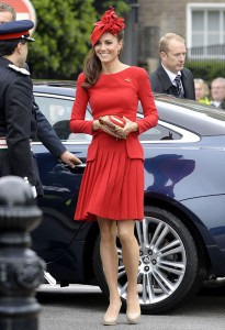 Kate Middleton Red moda styl gwiazd 205x300 Wizerunek Kate Middleton