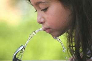 dziecko zdrowie woda 300x198 Nasze dziecko to zdrowe dziecko