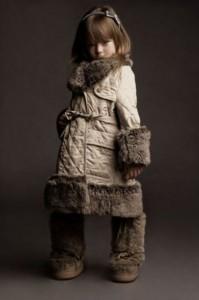 zimowe ubrania dziecięce płaszcz obr 2 199x300 Zimowe dziecięce ubrania wierzchnie